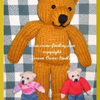 Can Edward and Anastasia Bear be knitted with thicker yarn and larger needles?