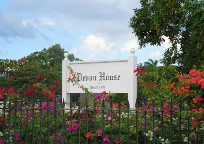Eine der Sehenswürdigkeiten Kingstons ist das Devon House.