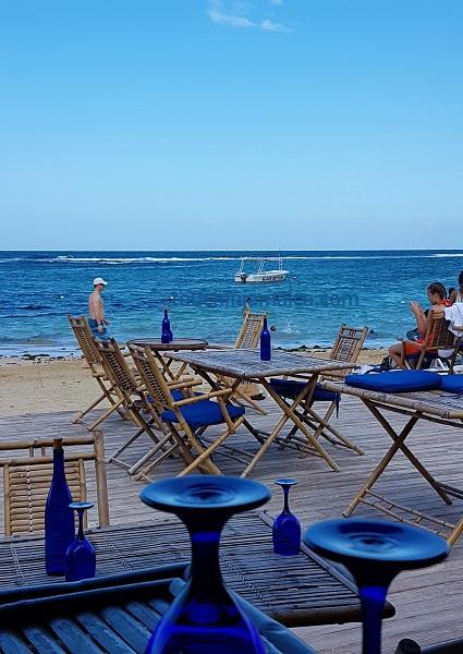 Im Bamboo Blu bei Ocho Rios kann man leckere Cocktails am Strand geniessen.