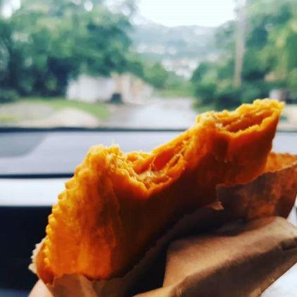 """Viele Jamaikaner schwören auf die Chickenpatties von """"Tastee Patties"""""""