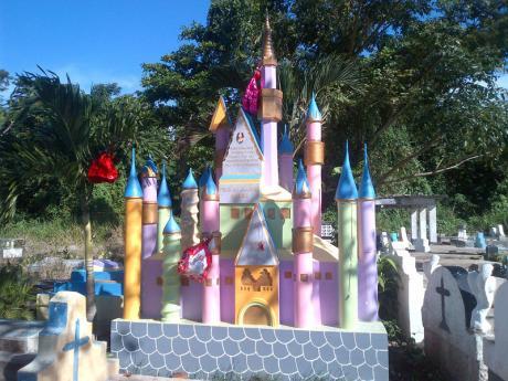 Diamond Castle Annotto Bay Friedhof