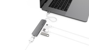 Verbatim-49540-49540-lifestyle-with-laptop--cables_nowat