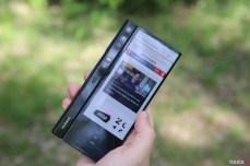 Huawei Mate X, prvý prototyp. Všimnite si rozdiely vo fotoaparáte a tlačidle