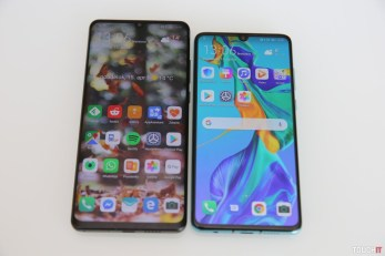 Huawei P30 Pro vľavo, P30 vpravo