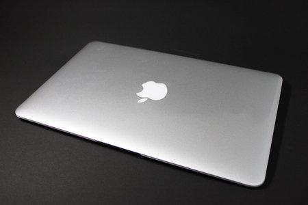 macbook_air_refurbished_0.jpg