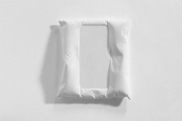 iphone_pillow_2