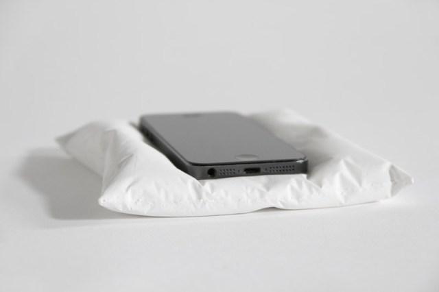 iphone_pillow_5