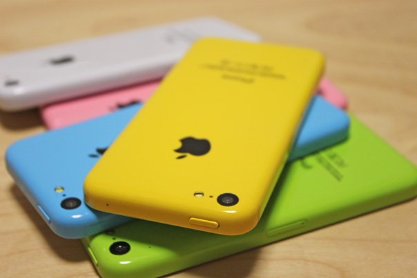 iphone5c_mock_all_colors_4
