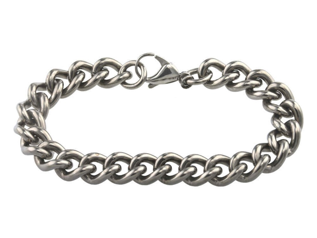 Strong titanium chain bracelet on TouchTitanium.com <p>Reassuringly strong 100% hypoallergenic titanium bracelet chain. 10.6mm wide links make up this epic bracelet for men or women. Incredibly strong and durable titanium links, available in one finish with a titanium lobster catch. Precision made and completely hypoallergenic. Safe to wear for all skin types.</p>