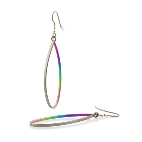 Hypoallergenic drop earring made in titanium