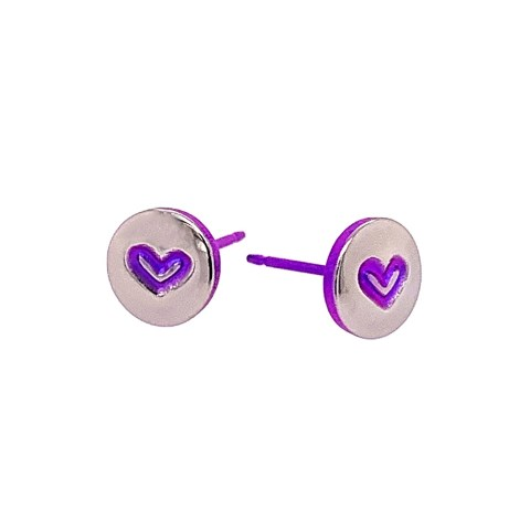 Love heart hypoallergenic titanium stud earrings.