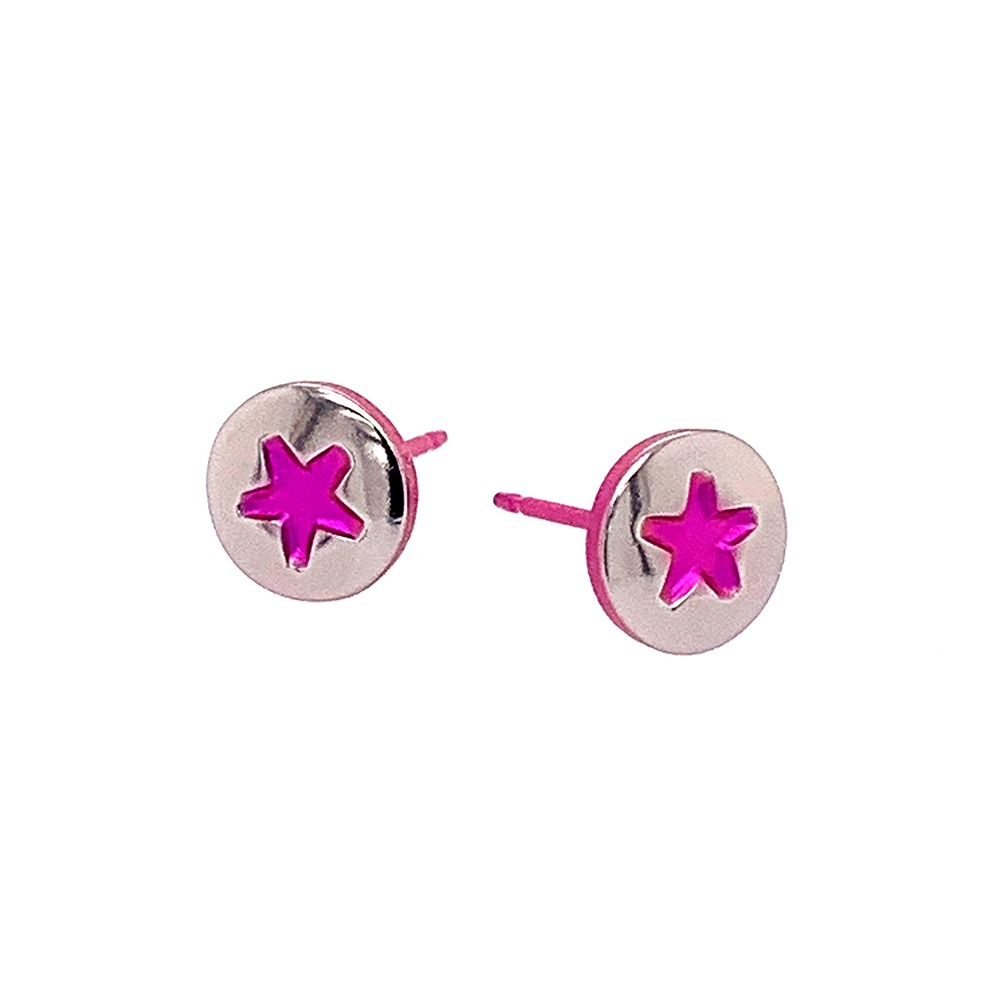 Star stud hypoallergenic titanium stud earrings.
