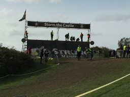 Strong Viking Obstacle Run brother edition 2015, Hindernis Storm the Castle 1