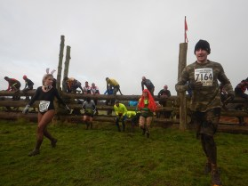 Hindernislauf England,Tough Guy 2016, Brasher Disley Steeplechase