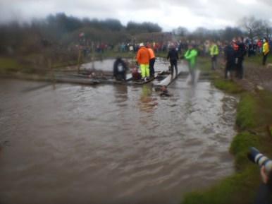 Hindernislauf England,Tough Guy 2016, Hindernis Water Tunnel