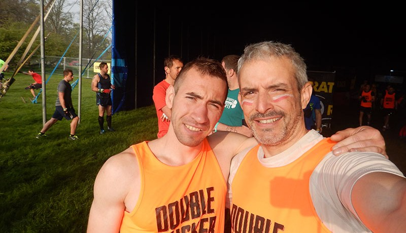 Hindernislauf England, Rat Race Dirty Weekend 2016, Selfie Alex und Tough Chicken