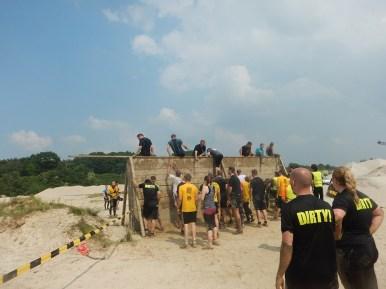 Hindernislauf-Deutschland, Mud-Masters-24-Stunden-2016, Hindernis-Wall-Sandgrube