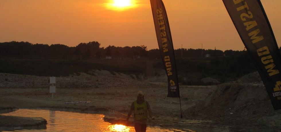 Hindernislauf-Deutschland, Mud-Masters-24-Stunden-2016, Sonnenuntergang