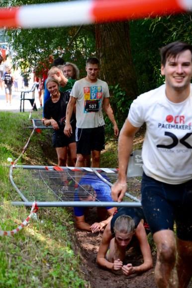 Wrestling Run, Hindernislauf Deutschland, Kriechhindernis-2