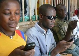 kiwanja_uganda_texting_2