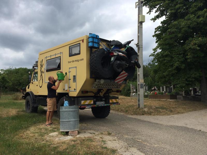 Wassertank-füllen-Unimog
