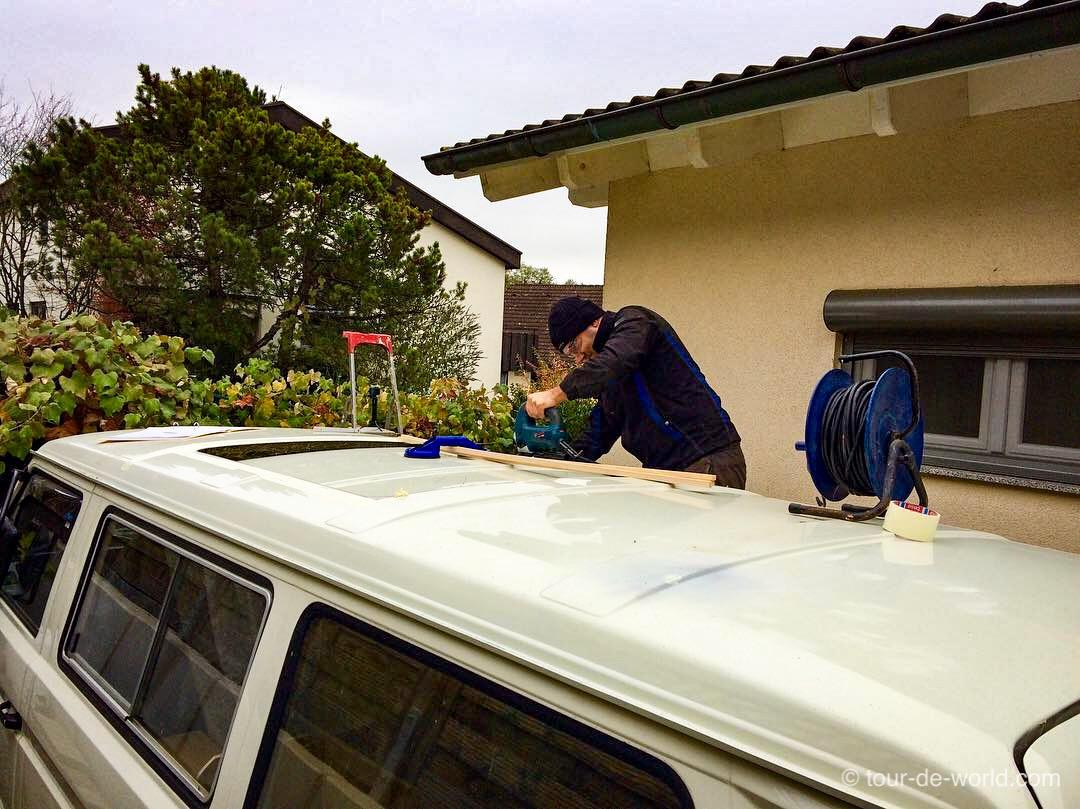 Dachausschnitt am VW T3 für das Aufstelldach.