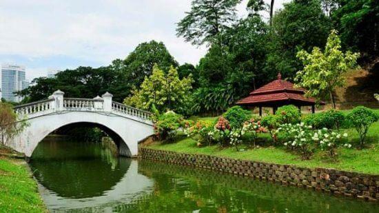 حديقة وبحيرة بردانة في كوالالمبور