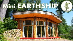 Incredible Mini Earthship Style Cabin – Tiny Off Grid House with Solar Power