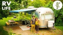 Nomadic Couple Living in an Incredible Vintage Airstream – Interview & Tour