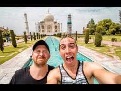 SELFIE CAPITAL OF THE WORLD – Taj Mahal – Agra, India | Travel Vlog Ep. 32