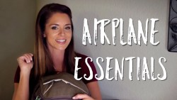 WHAT'S IN MY TRAVEL BAG? | Airplane Essentials