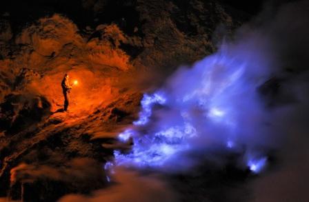 Hasil gambar untuk Keindahan alam wisata di kawah ijen