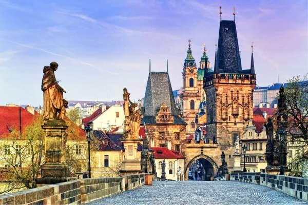 Тури в Прагу