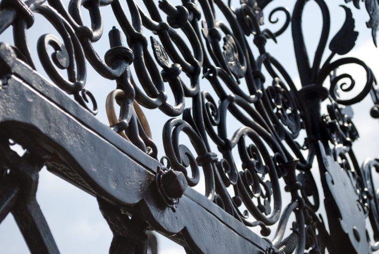 Нюрнберг достопримечательности Прекрасный фонтан лжекольцо