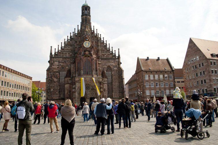 Нюрнберг достопримечательности Представление на площади
