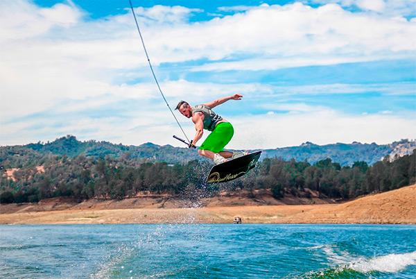 9-wakeboarding