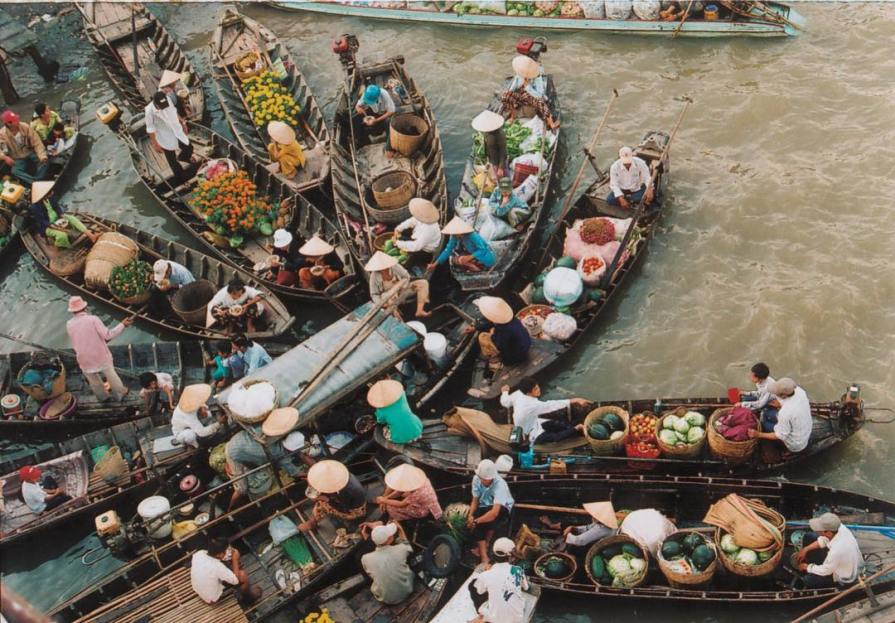Cai be floating market vietnam 1024x713 Best day trips from Ho Chi Minh Saigon