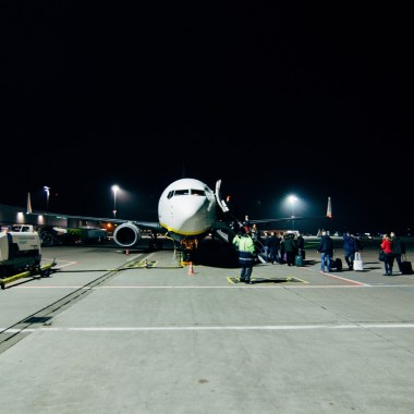 TouringTony.com White Plane