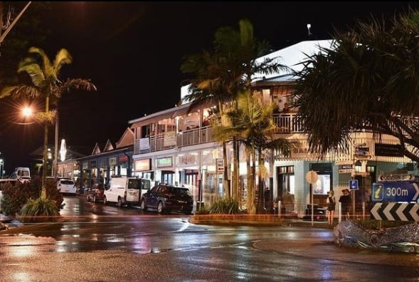 tourism-guide-australia-jonson-street-byron-bay