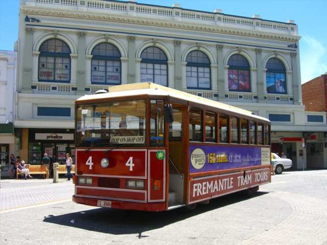 tourism-guide-australia-fremantle-tram-tours