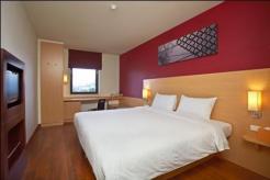 ibis-bangkok-riverside-standard-double-room