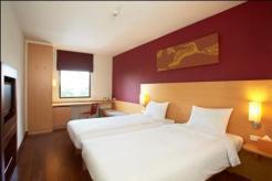 ibis-bangkok-riverside-standard-twin-room
