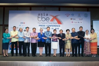 Thailand-boosts-its-image-as-global-bloggers_15Oct_2