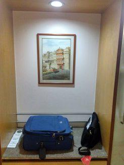 Country Inn & Suites Jaipur Room luggage rack