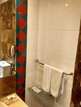 Country Inn & Suites Jaipur bathroom