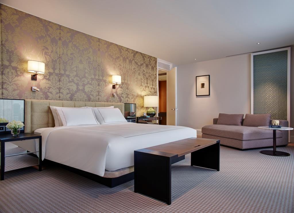 Grand Hyatt Erawan Bangkok_Diplomat Suite Bedroom