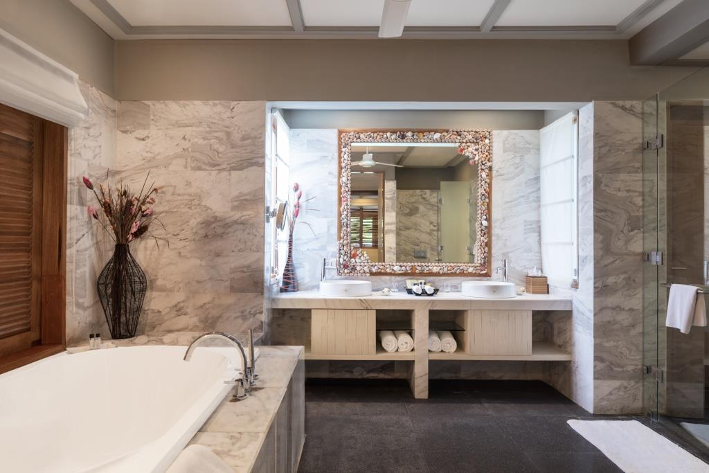 2 Bedroom Nirvana Suite with Pool Bathroom 3
