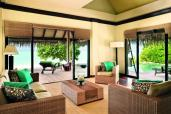 Beach Villa Suite - living room (9999 x 6666)