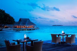 Poolside_Restaurant_-_Dusk
