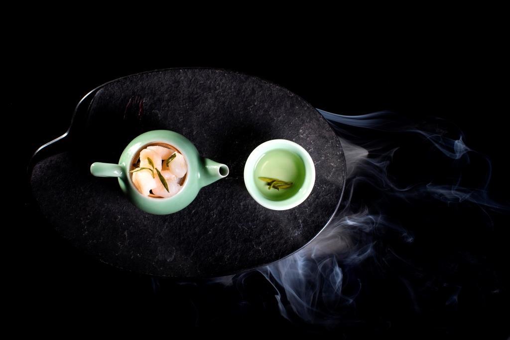 Peeled River Shrimp with Longjing Tea